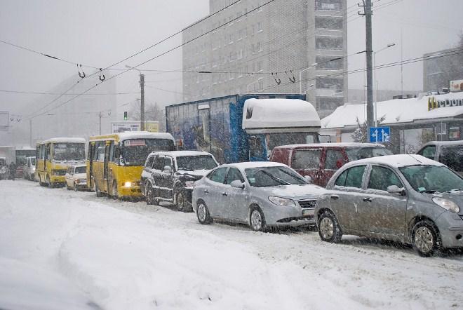 вывоз снега, заторы на дорогах